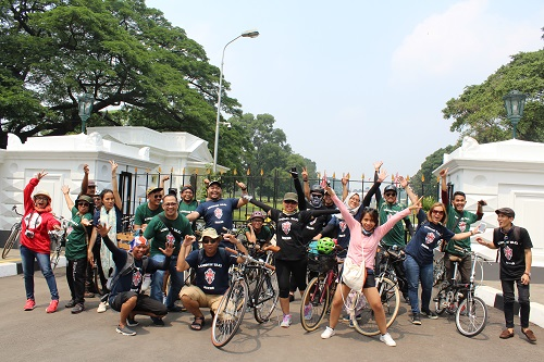 London Taxi Hangouts Goes to Bogor 08/17